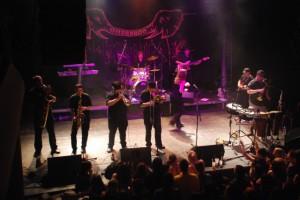 Záběr z koncertu (Zdroj: www.stozvirat.cz)