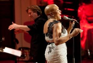 Dee Dee Bridgewater a dirigent Martin Kumžák (Autor: Petra Hajská)