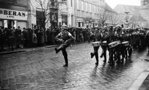 Přehlídka Wehrmachtu na Národní třídě v březnu 1939 (Hodonín), zdroj: www.hodonin.ic.cz