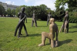 Sochy na Moravském náměstí (autor: Lucie Šmídová)