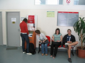 Erasmus studenti čekající na hodinu, autor: Michal Prouza