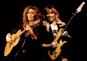 Vicki Genfan a Jennifer Batten, zdroj: www.kytaranapriczanry.cz