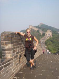 Autorka na Velké čínské zdi