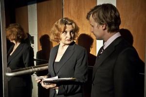 Železná Lada (E. Holubová) a Erik ve výtahu (K. Hádek) (Zdroj: www.studiodva.cz)