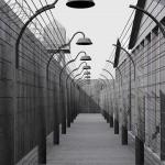 """Koncentrační tábor je kulisou netradiční výstavy """"Atentát na Heydricha – 70"""""""