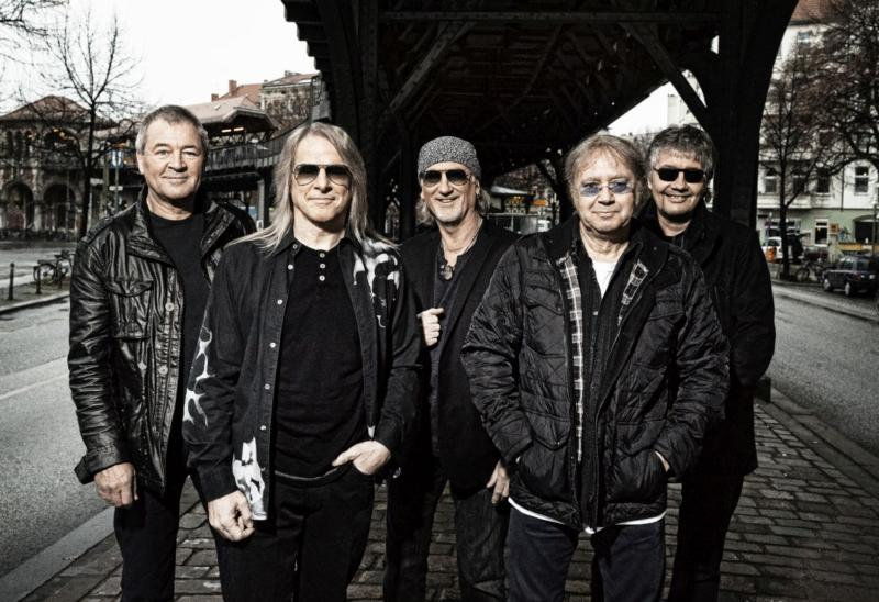 1470454_936919_DeepPurple_band_7_photocredit_Jim_Rakete_small