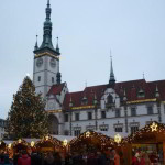Nalaďte se na svátky pohody, v Olomouci začínají Vánoční trhy