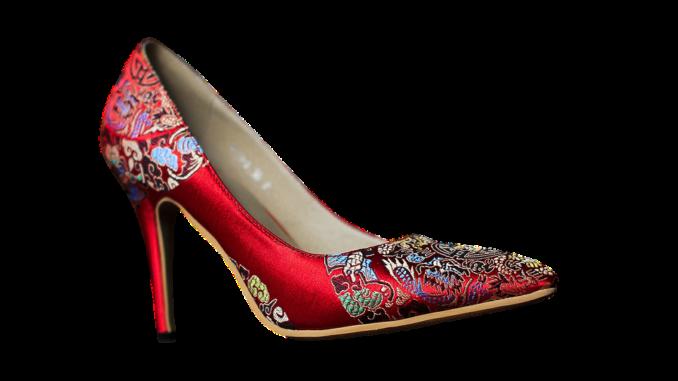 high heeled shoes 2781084 960 720