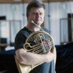 Ze sbírky Radka Baboráka bylo mezi hudebníky na volné noze rozděleno už 440 tisíc korun